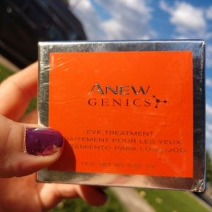 Avon Anew genics eye treatment